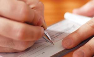 Man_writing_cheque