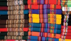 秘鲁纺织品色彩缤纷 秘鲁纺织业近来吸引了中国投资者的兴趣