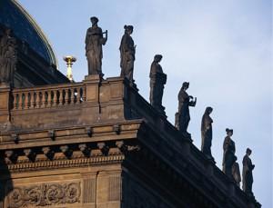 布拉格市政厅。捷克共和国颁布了新的《民法典》。