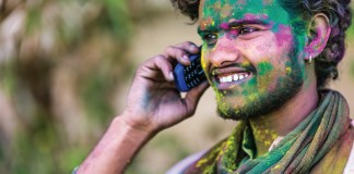 India and China mobilize on cell markets