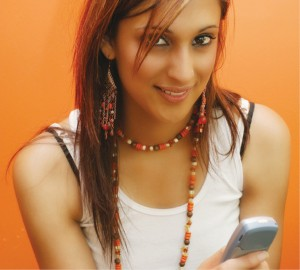 Indian_girl_with_mobile