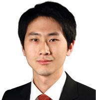 杨奕 BLAKE YANG 胡光律师事务所资深律师 Senior Associate Martin Hu & Partners