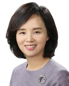 Yoon-Suk-Shin-Senior-Partner-at-Lee-International-in-Seoul