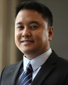 Enrique-dela-Cruz-Senior-Partner-at-Divina-Law-in-Manila-2