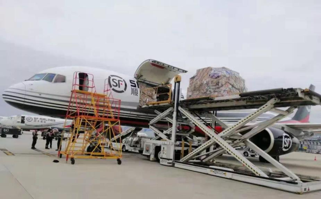 金杜公益基金会将采购的医疗物资辗转运往武汉