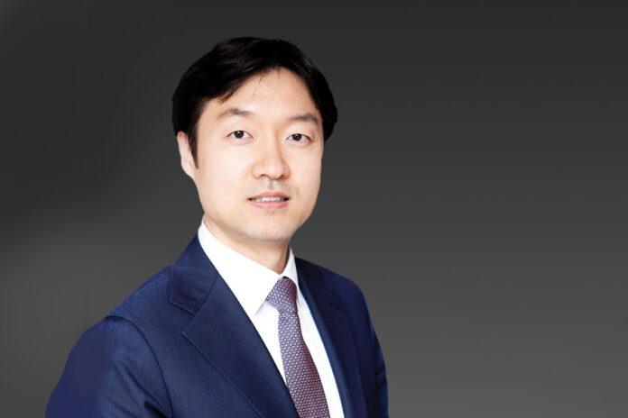 Kim Dong-chul  Paul hasting