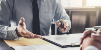 CSRC regulates securities law practices of lawyers, 证监会规范律师证券法律业务