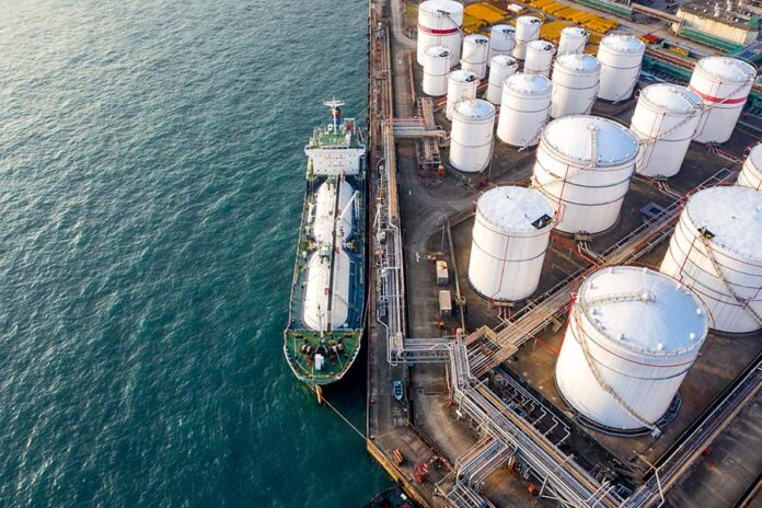 Veritas Legal, Khaitan & Co advise on Itochu acquisition of Aegis subsidiary stake